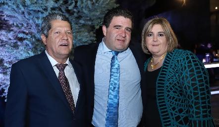 Lauro Martínez, Toño Delgado y Regina Payán.