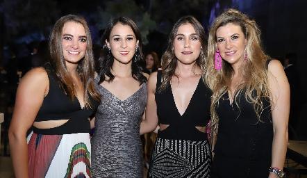 Josh W, Carmelita Del Valle, Sofía Villaseñor y Benilde Hernández.