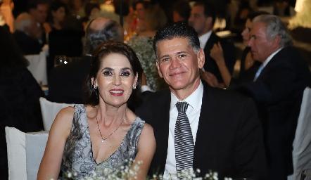 María Elena Torre y Félix González.