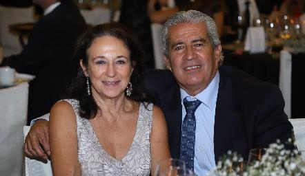 Bertha Maza y Fernando González.