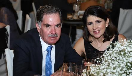 Alejandro y Gloria.