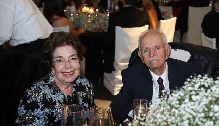 María Josefa y Alejandro Urquiza.