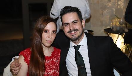 Julia Vasconcelos y Máximo Santana.