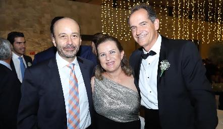 Ricardo Estrada, Marlú Mendizábal y Ricardo Gómez.