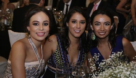 Fernanda y Paulina Torres y Maru Payán.