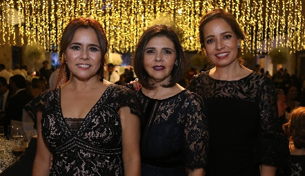 Laura Acosta, Paty Valadés y Ana Luisa Acosta.