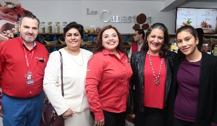 Daniel Lavanderos, Ana María Vázquez, Isabel Muñoz, Carmen Herrera y Carmen Aguillón.