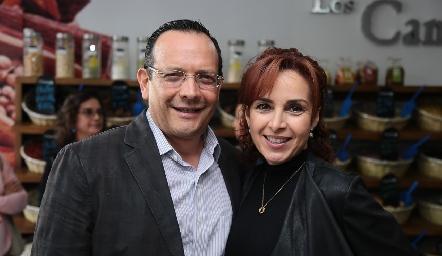 Pancho Loredo y Diana de la Serna.