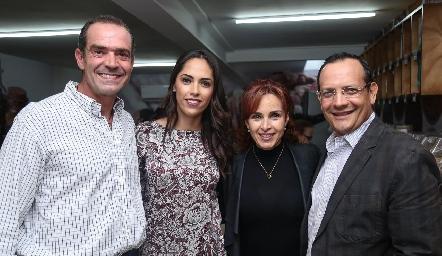 Juan Cuétara, Ana Villanueva, Diana de la Serna y Pancho Loredo.