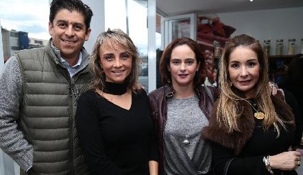 Luis Tinajero, Claudia Barba, Irene Loyo y Olga Mendoza.