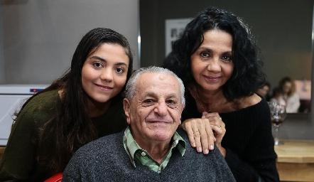 Alejandra Casterillón, Manolo Abad y Ana María Musa.