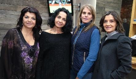 Malaque Musa, María Musa, Laura Abad y Elvira Sánchez.