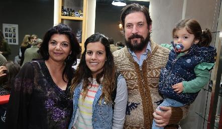 Malaque Musa, María José Barragán, Diego Rodríguez y Anajose.