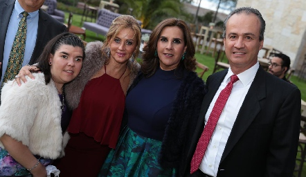 Mónica Quintanilla, Lorena Andrés, Graciela Torres y Ricardo Andrés.