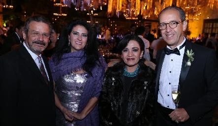 José Somohano, Mikaela Cortés, Katy de Somohano y Enrique Díaz Infante.