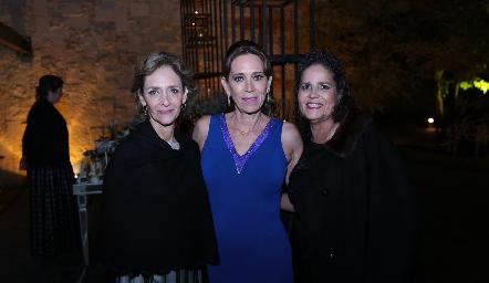 Caridad Rangel, Carola Guerra y Martha Alicia Rangel.