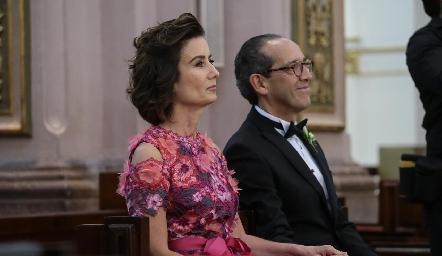 Gabriela Andrés y Enrique Díaz Infante, papás de la novia.