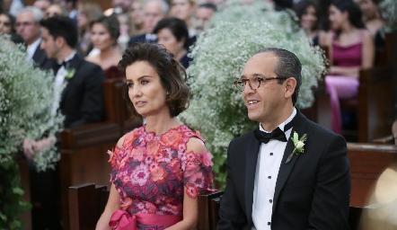 Gabriela Andrés de Díaz Infante y Enrique Díaz Infante, papás de la novia.