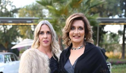 Maruja Villasuso y María del Carmen de la Rosa.