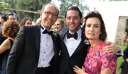 Enrique Díaz Infante, Abraham Salgado y Gabriela Andrés de Díaz Infante.
