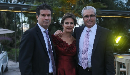 Félix, Andrés, Carmen Andrés y Claudio Meade.