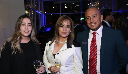 Isabel Albas, Betty Cano y Alberto Pérez.