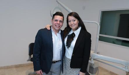 Adad Hernández y Erika Domínguez.