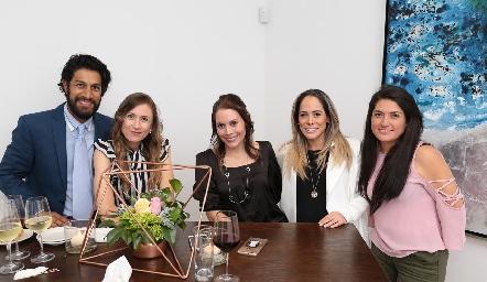 Eloy Amores, Alejandra Loredo, Lucía Govea, Silvia Govea y Mariana Silva.