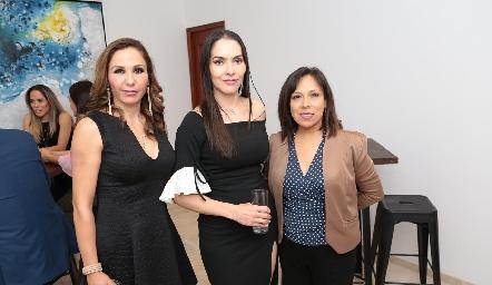 Laura Salinas, Yazmín Dávila y Leticia García.