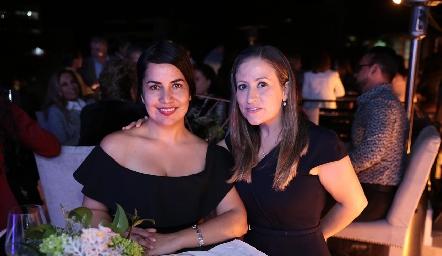 Lizet Irlanda Espinosa y Claudia Ramírez.