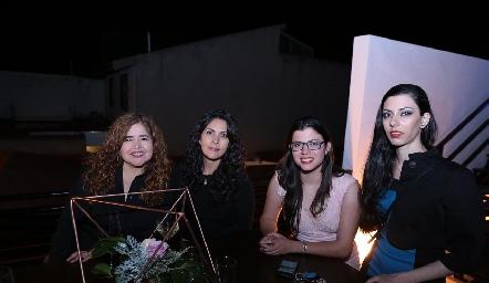 Norma Cruz, Maricela Cruz, Brenda Garza y Fabiola Garza.