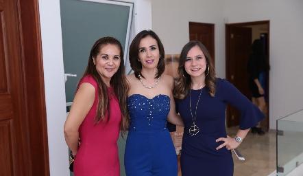 Liz Rentería, Alejandra Lozano y Fernanda Meizoso.