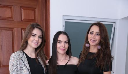 Geraldine Machado, Yazmín Dávila y Natalia Narváez.