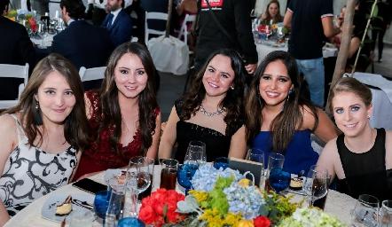 Fernanda Castillo, Andrea Armería, Isa Rodríguez, Andrea Ascanio y Bárbara Zúñiga.