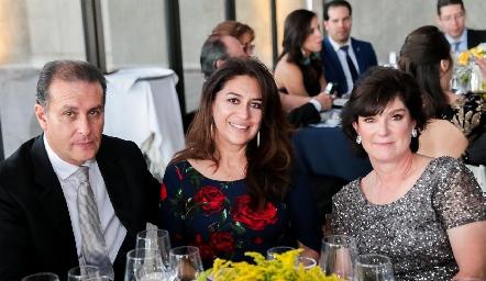 Guillermo Martínez, Verónica García y Susana Andrés.