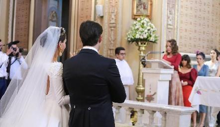 Mariana y Rafa en su boda.
