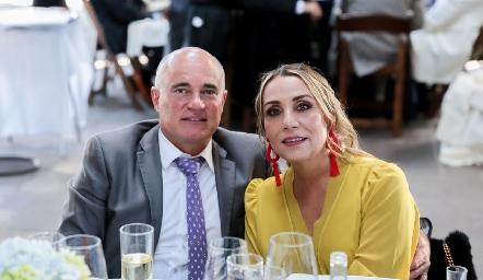 Tomás Alcalde y Roxana Serna.