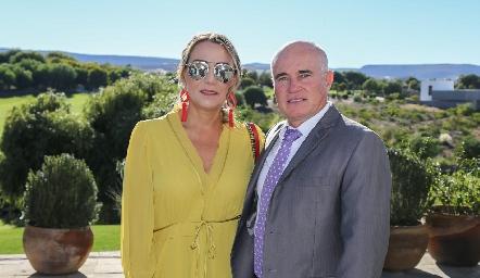 Roxana Serna y Tomás Alcalde.
