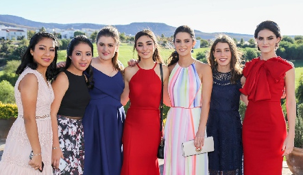 Ana Sofía y Ana Isabel Martínez, Chris Cambeses, Isa Stevens, Paty Leos, Fer Del Valle y Ana Cecy Labarthe.