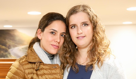 María José y Sofía Torres.