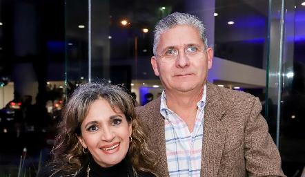 Alma Aguilar y Arnoldo Pérez.
