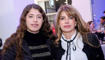 Lorena Hernández y Lorena Escobedo.