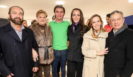Oscar Torres, Mónica Labastida, Jaime Ruiz, Rocío de la Torre, Olga de la Torre y Fabián Espinosa.