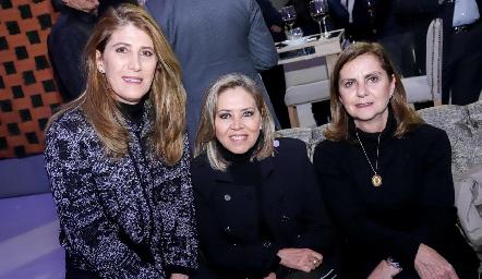 Mónica Hernández, Elizabeth Báez y Maripepa Valladares.