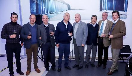 Alejandro Valladares, Oscar Gaviño, Rafael Olmos, Manolo Lorca, Alejandro Hernández, Julio Castelo, Miguel Ruiz y Carlos López.