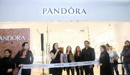 Inauguración de Pandora.
