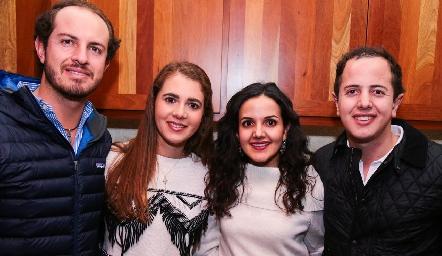 Octavio Aguillón, Pilar Castañón, Yolanda Aguillón y Santiago Aguillón.