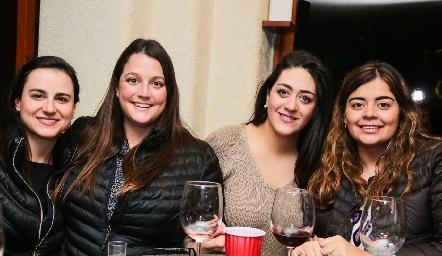 Susana Scheckaibán, Sofía González, Scarlett Garelli y María José Motilla.