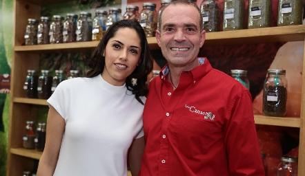 María Villanueva y Juan Cuétara.
