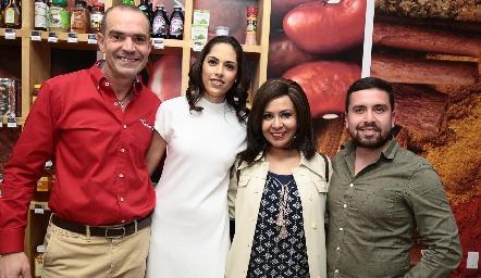 Juan Cuétara, María Villanueva, Nora Ruiz y Daniel Espinoza.